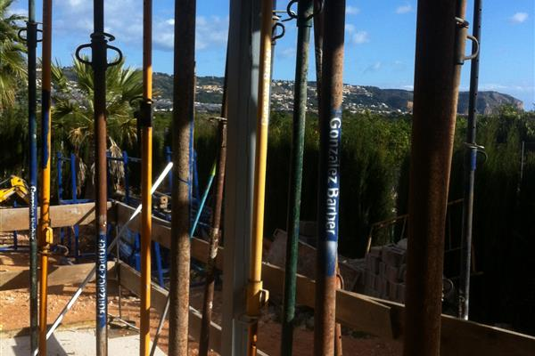 EVALUATION OF THE DISPLACEMENT OF  TWO PILLARS IN A HOUSE IN JÁVEA (ALICANTE)