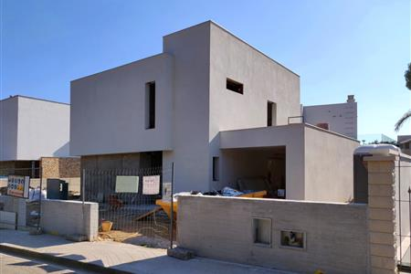 DETACHED HOUSE IN CAMBRILS
