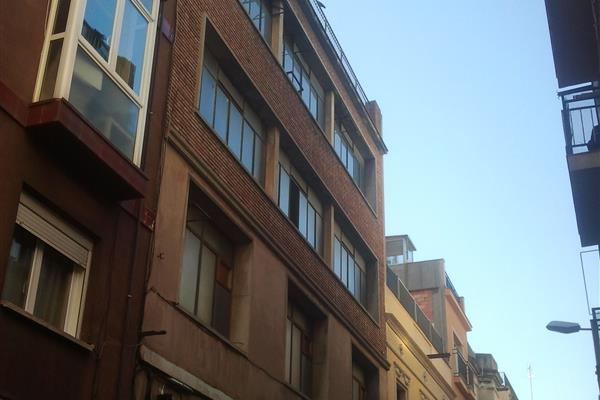 REFORMATION OF AN OFFICE BUILDING IN THE GRACIA DISTRICT OF BARCELONA
