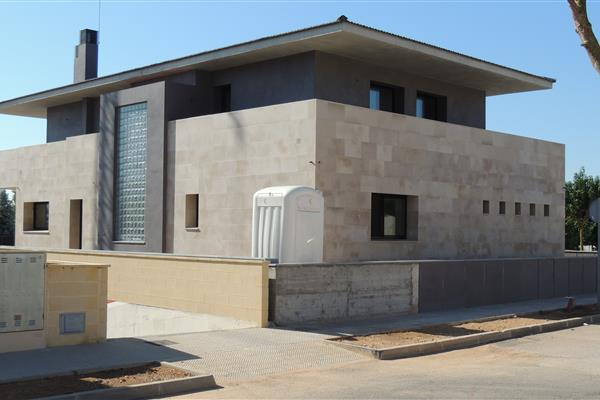 DETACHED FAMILY HOUSE IN ULLDECONA (TARRAGONA)