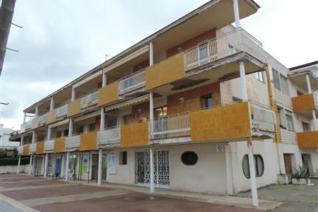 NEW TERRACES IN A BUILDING IN CAMBRILS