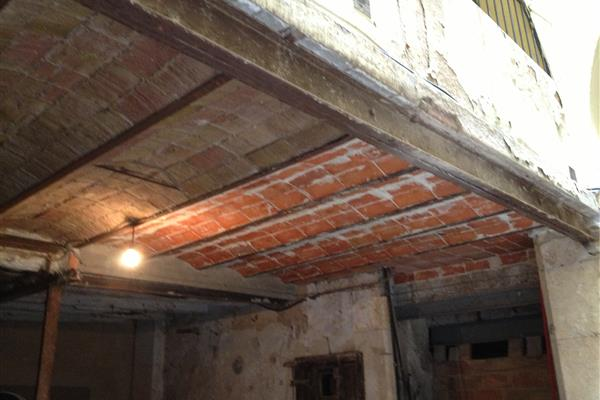 REHABILITATION AND STRUCTURAL CONSOLIDATION OF A BUILDING LOCATED AT NO. 5 CARRER CAVALLERS, TARRAGONA