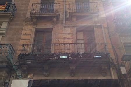 REFORM AND REHABILITATION OF A BUILDING IN CALLE LLOVERA DE REUS (TARRAGONA)