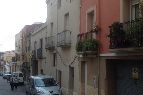 REFORM OF TERRACED HOUSING IN CASTELLVELL DEL CAMP