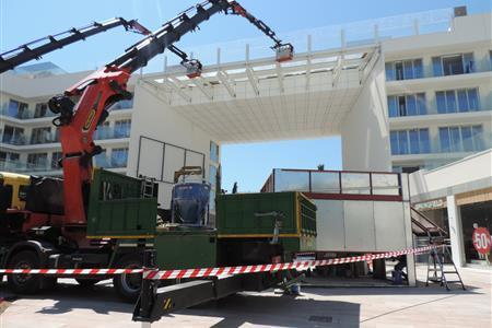 ASSISTANCE IN THE CONSTRUCTION OF THE POOL-BRIDGE OF THE HOTEL JAMAICA IN MALLORCA